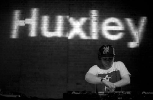 bt-huxley-dj