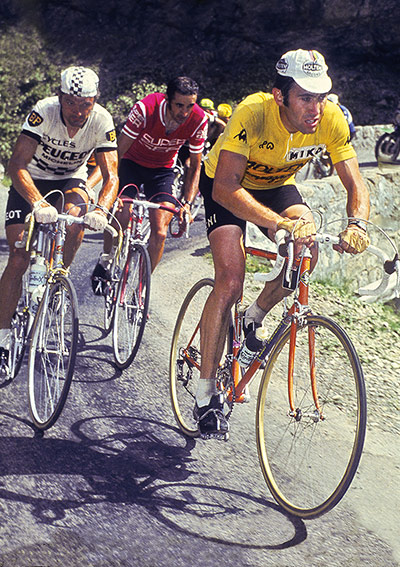 Eddy Merckx attacks in the 1975 race in his bid to become the first rider of his era to win the Tour six times. In the end he finished second behind Bernard Thévenet of France, sitting on his shoulder