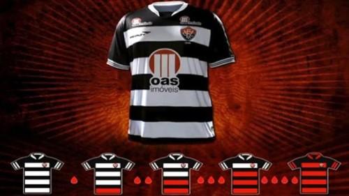 vitoria_red_black_shirts